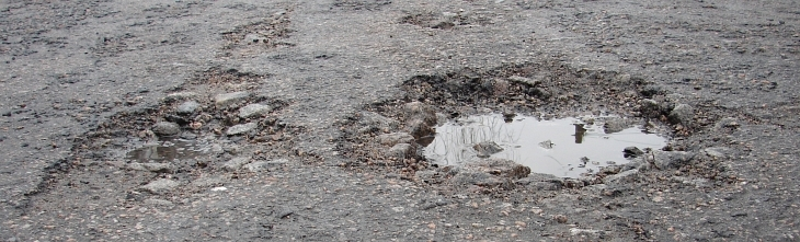 Potholes Rosebank Terrace 07Feb13