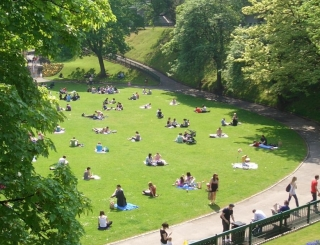 UTG well populated on a sunny day