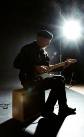 richardthompson-backlit-pamela-littky-aberdeen-voice