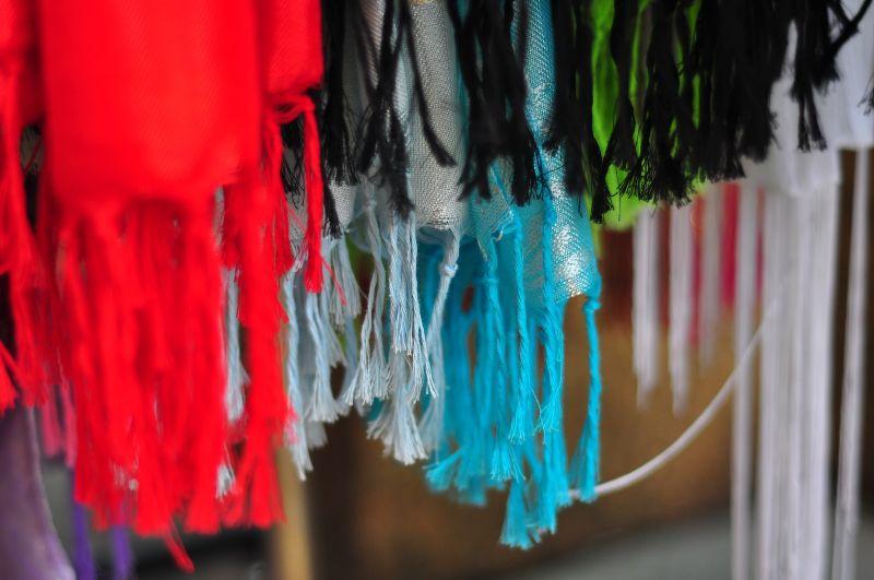 colouredthreadspic
