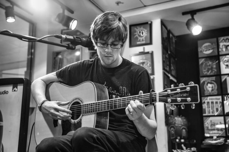 Robbie Flanagan at HMV - Pic by Julie Thompson