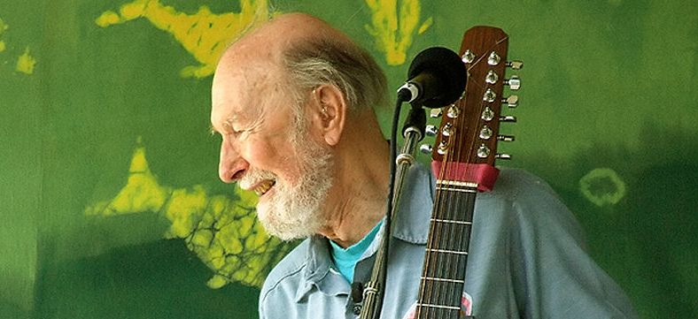 800px-Pete_Seeger2_-_6-16-07_Photo_by_Anthony_Pepitone lopro