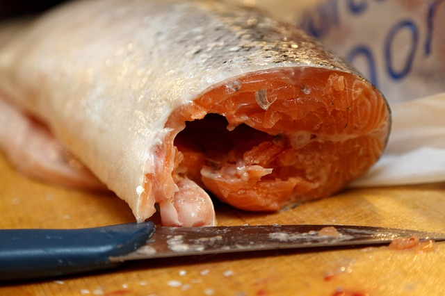 cut salmon from pixabay com