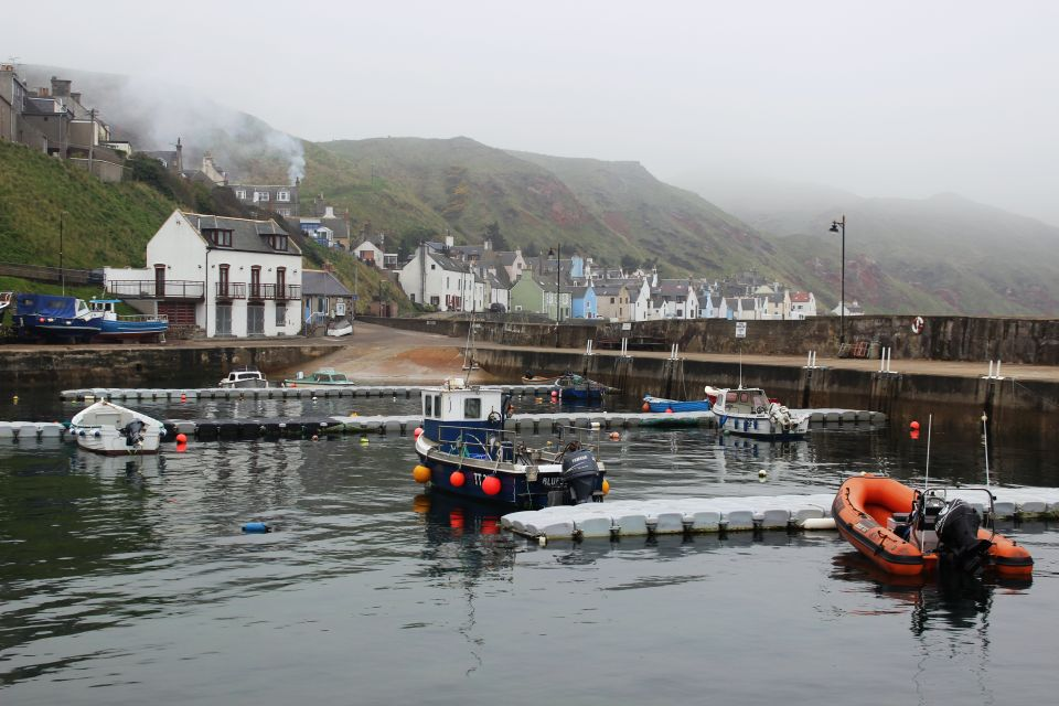 Gardenstown harbour 27 April 2014. Image Credit: Suzanne Kelly.
