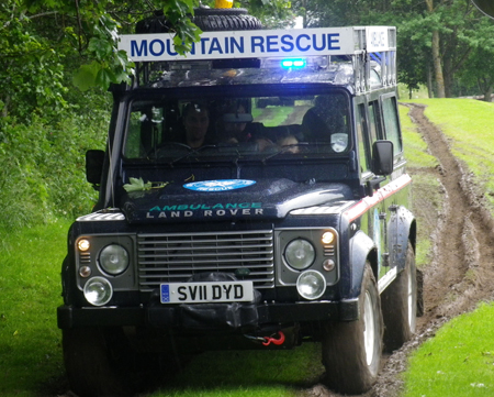 mountain_rescue_land_rover