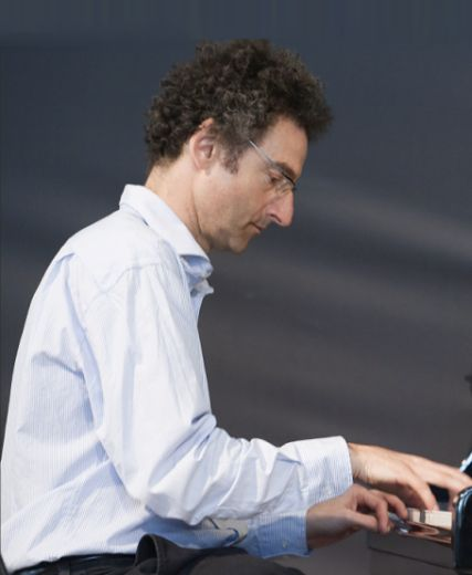 Phil clouts at pianofeat