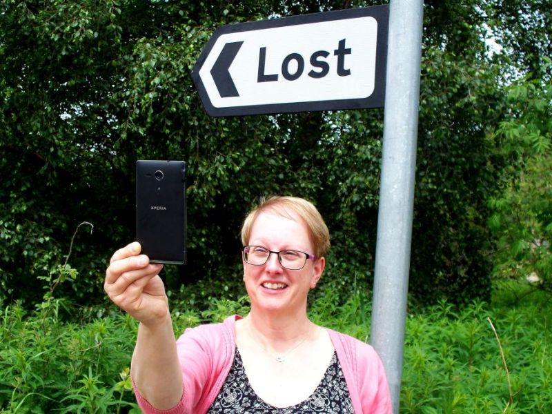 Snap happy - Jennifer Stewart takes a selfie at the Lost sign2