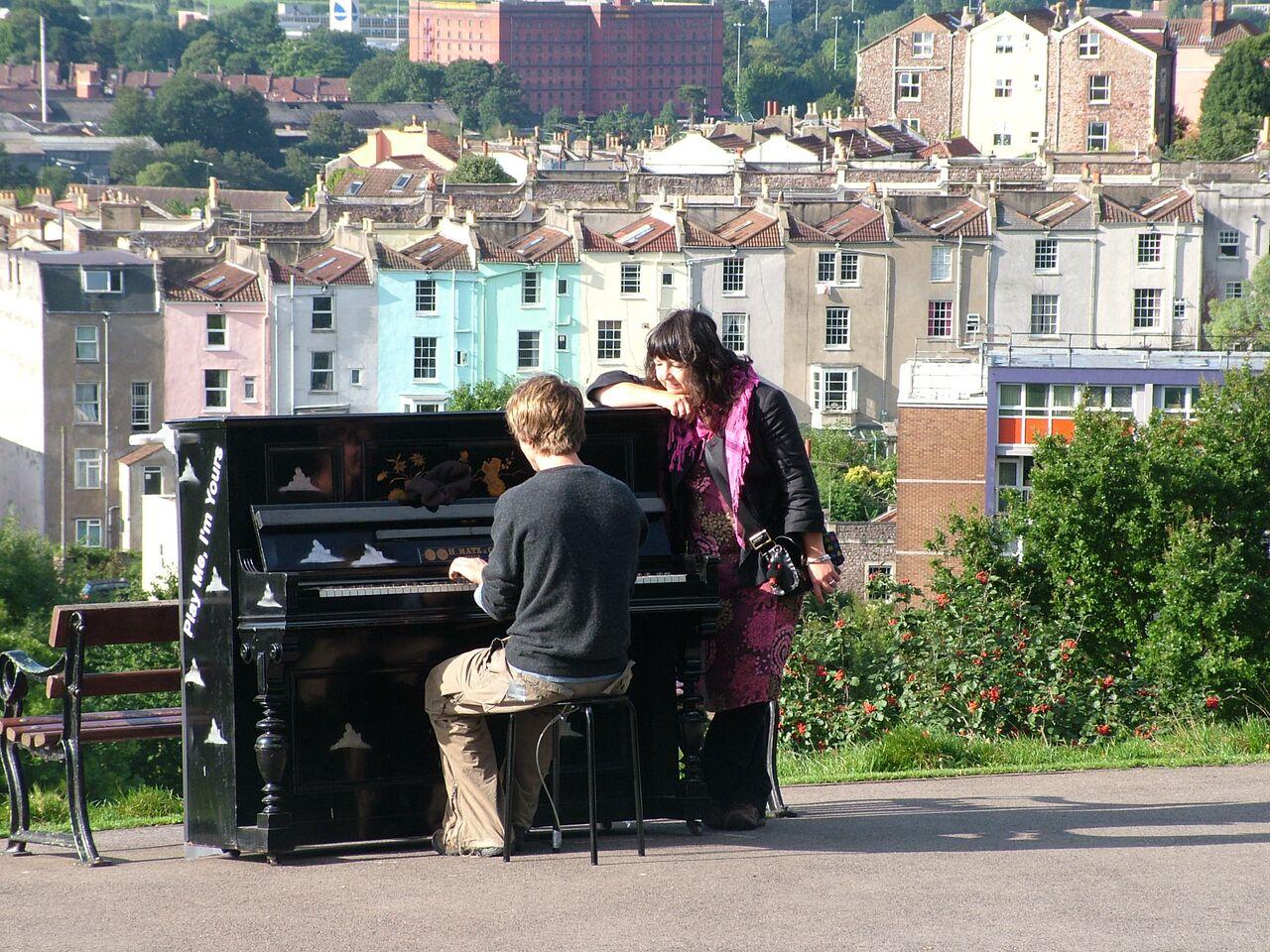 Hilltop_Piano_Bristol 2009