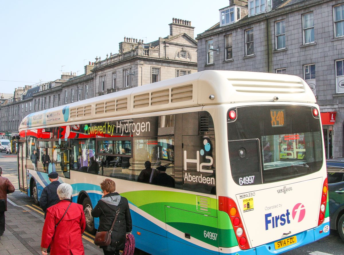 hydrogen bus