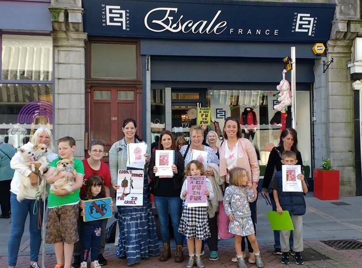 escale-france-protestors-by-s-reid-sept-16b