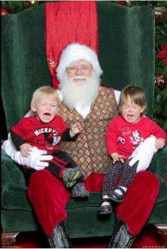 santa-with-traumatised-children-creepy-santa-com